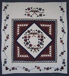 Custom Amish Quilts - Ribbon Bouquet Applique Trip Around Commons Border