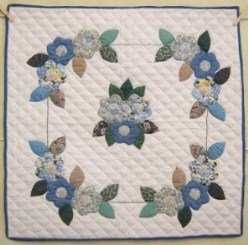 Custom Amish Quilts - Flower Bouquet Applique Small Quilt Wall Hanging