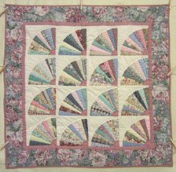 Custom Amish Quilts - Grandmas Fan Patchwork Small Quilt Wall Hanging