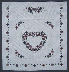 Custom Amish Quilts - Country Heart Wreath Applique