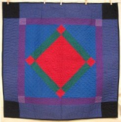 Custom Amish Quilts - Central Amish Diamond Small Quilt Wall Hanging