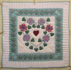 Custom Amish Quilts - Irish Heart Flower Applique Small Quilt Wall Hanging