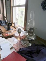 Amish Nancy Home Room